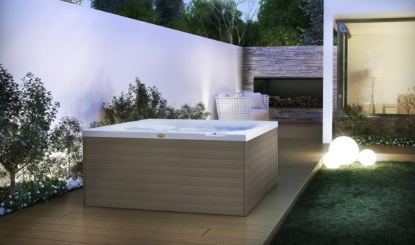 Jacuzzi City Spa Hot Tub Freestanding Garden