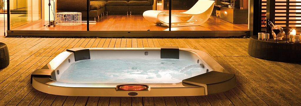 Jacuzzi Santorini Hot Tub Built-In